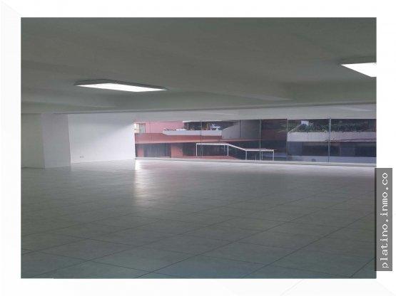 Local en renta Murano Center