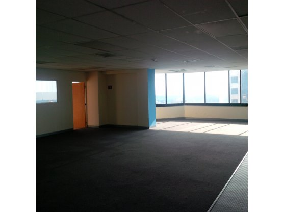 Renta oficina Murano Center