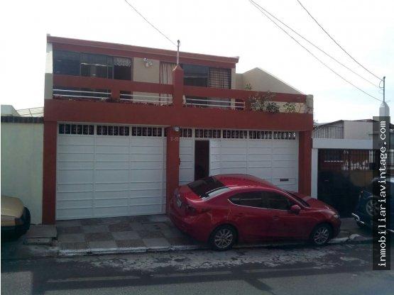 ¡¡¡ VENTA !!! Casa en Santa Monica Z2 de Mixco