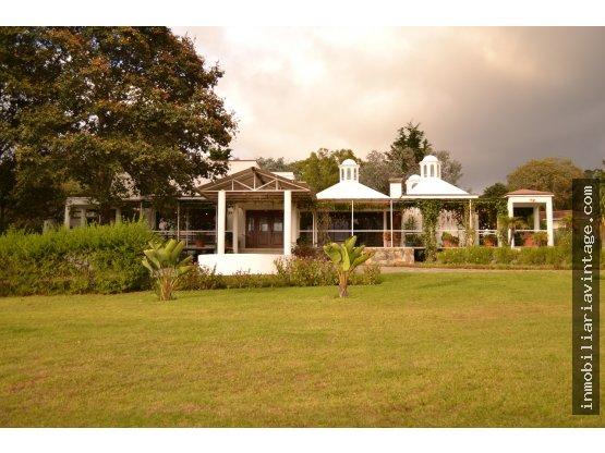 Venta espectacular residencia en km 26 San Lucas