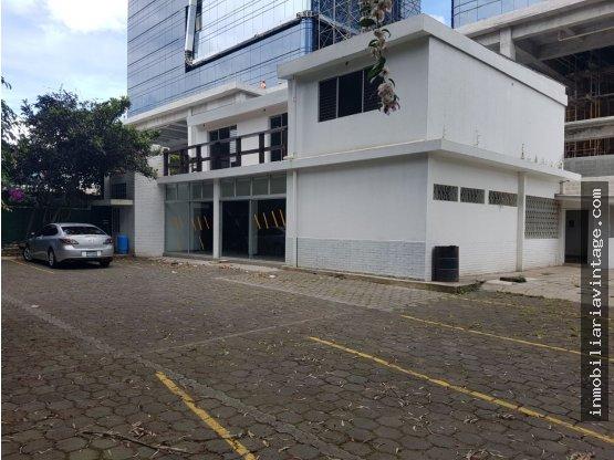 ATENCION EMPRESAS ¡¡En renta amplia casa zona 10