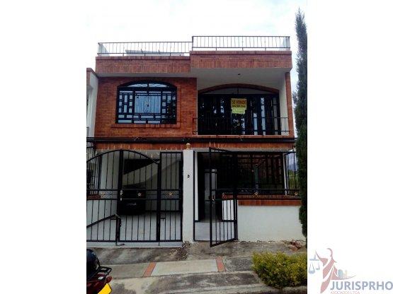 VENDE Casa, Barrio La Pampa, Fusagasugá