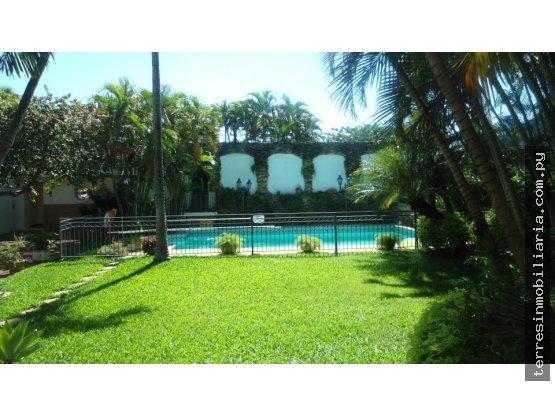 Residencia en VENTA o ALQUILER - Los Laureles
