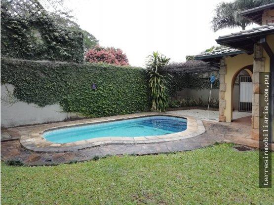 Se alquila hermosa casa en Mburucuyá