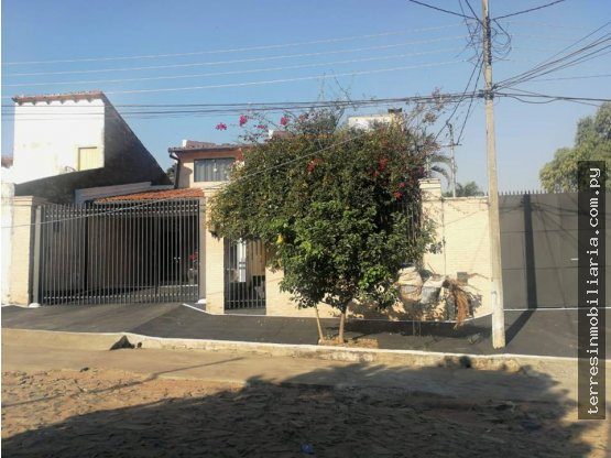 Se VENDE Residencia en Barrio Felicidad - Lambaré