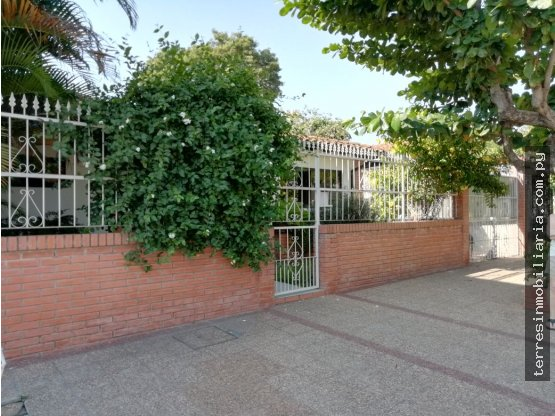 Terrés vende casa en Asunción - 600.000.0000.