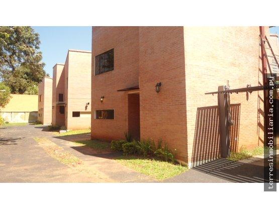 Se alquila vivienda en condominio - Los Laureles
