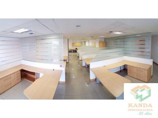 Oficina de 550 m2 divisiones, excelente ubicación