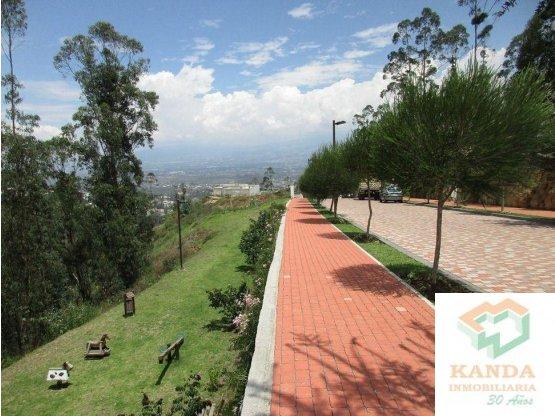 Lote de Venta Urb Cerros de Cumbayá, con Vista