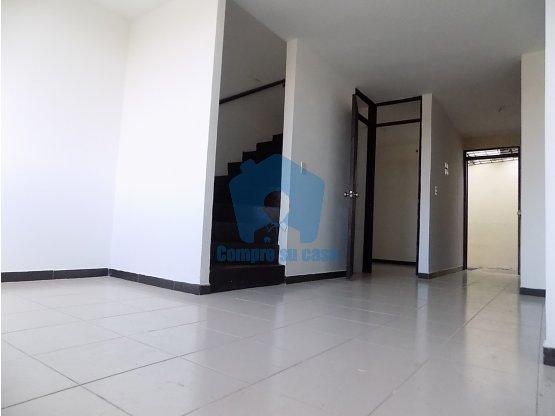 Casa Duplex, 3 alcobas, Vehicular, Altavista