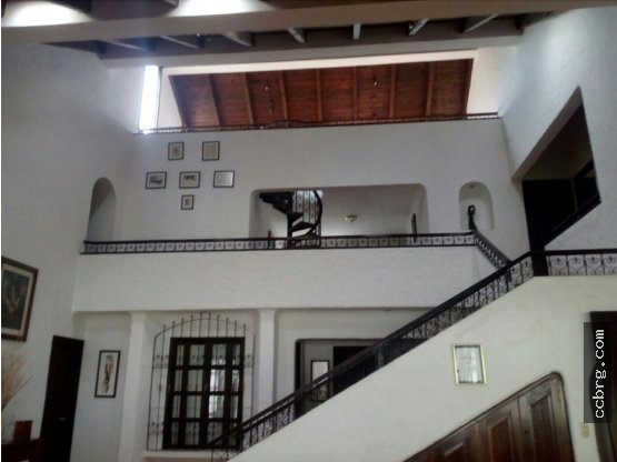 Casa Colonial Mediterraneo en Jacarandas de Cayalá