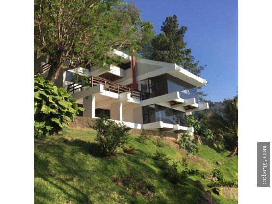 Casa en Venta/Alquiler, Amatitlan