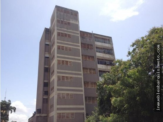 Oficina en Venta en Barquisimeto 19-2327 RB
