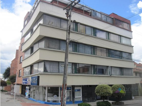 Lote/Edificio central en Suba. Bogotá.