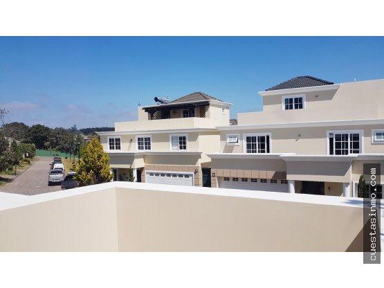 Casa en venta en condo CES Km. 21 (+1)