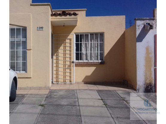 Bonita casa en venta,en  vistas de tesistan.