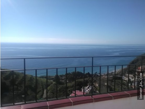 Gran Villa con vistas al mar y terreno en Nerja