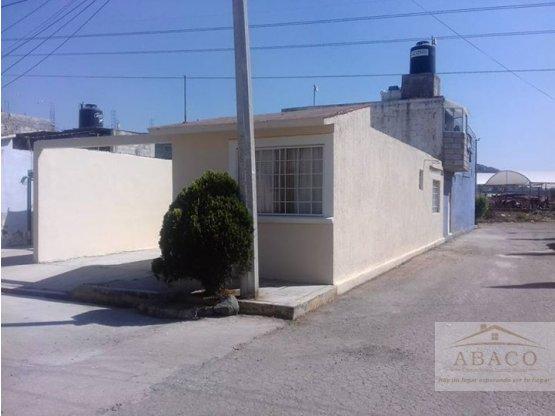 Casa de 3 rec maras en esquina for Banco esquina para cocina