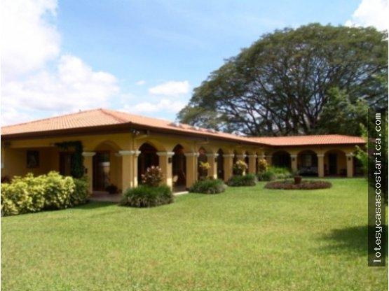 Casa de una planta Ciudad Colon