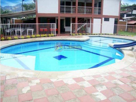 FINCA EN SANTAGUEDA, CAPACIDAD 37 PAX