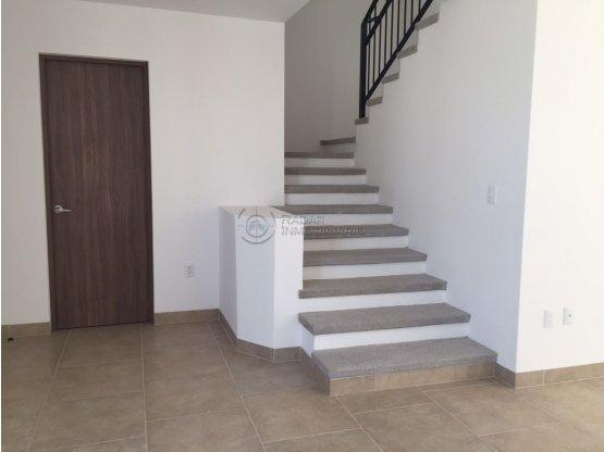 Renta casa en Samare II Zibatá Querétaro