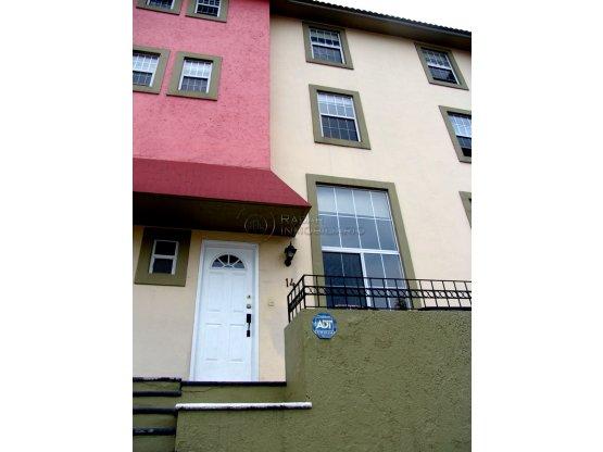 Casa en venta en Frac cerrado en  San Mateo