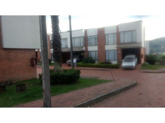 Hermosa casa sector San Marcel Manizales
