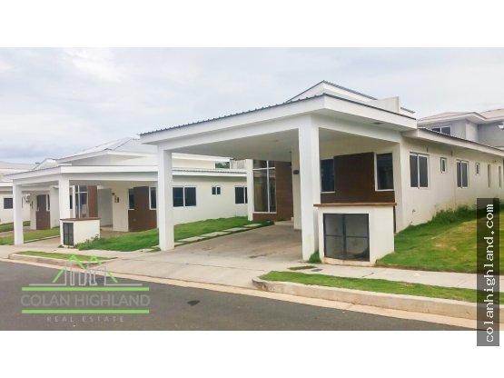 Se Vende Casa PH Senderos, Costa Verde, Chorrera