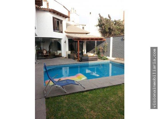 Casa amplia y remodelada - Santiago de Surco