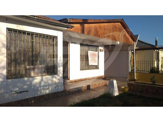 Amplia casa sector Los Villares