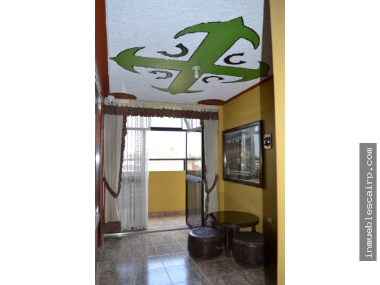 HOSPEDAJE de 5 pisos - Urb. Miraflores (Piura)
