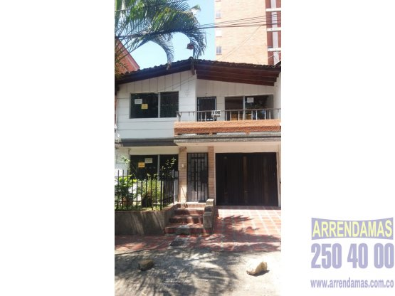 CASA DISPONIBLE EN ARRIENDO - BELÉN NOGAL