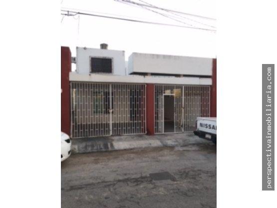 R13 CASA EN FRANCISCO DE MONTEJO