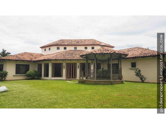 Casa de lujo en Santa Ana Costa Rica