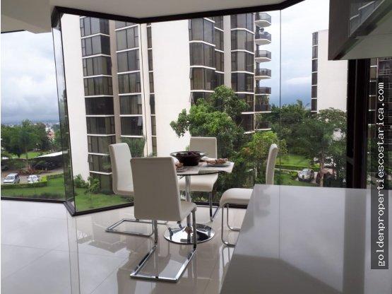 Lujoso Condominio Bello Horizonte en Escazú