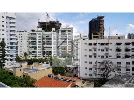 Apartamento en el  Sector Naco