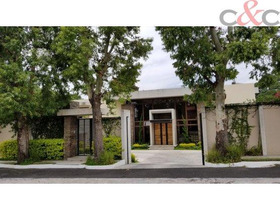 Casa en Venta, Country Club, zona 11