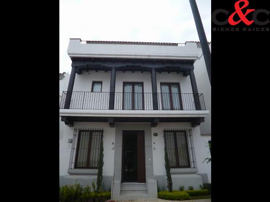Casa en Renta, Paseo Cayalá, Condominio Nova