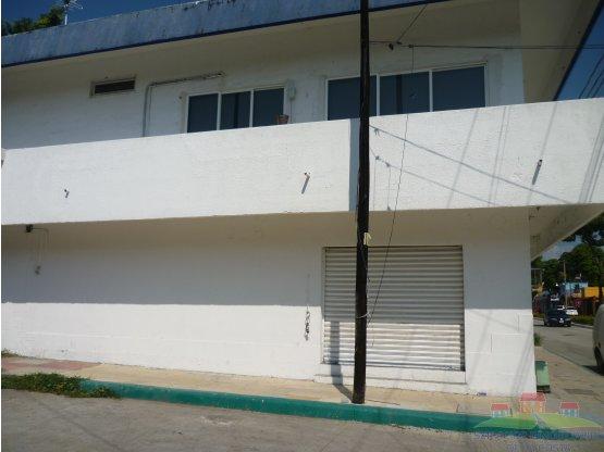 AMPLIO LOCAL EN RENTA LAURELES (ESQUINA)