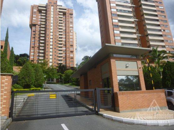 Apartamento en arriendo o en venta en el Poblado