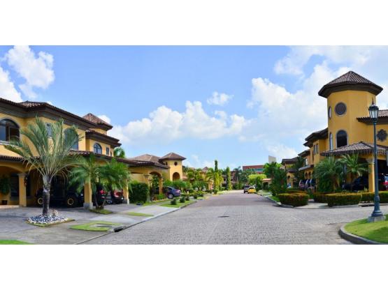 Casa en Antigua - Costa del Este