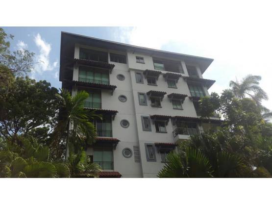 Apartamento en P.H. Altos de Amador - Causeway