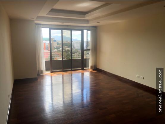 Zona 10 Vendo Apartamento de 3 dormitorios