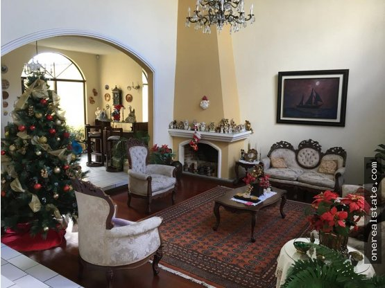 Zona 12 Alquilo / Vendo casa En Villa Sol