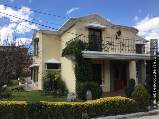 En Venta, Casa en La Esperanza, Quetzaltenango