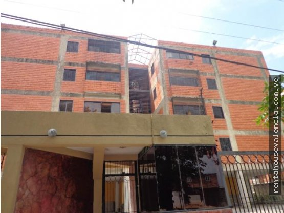 Apartamento en venta Parque Valencia Cod 19-692