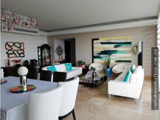 Lujoso apartamento en Alquiler en Costa del Este