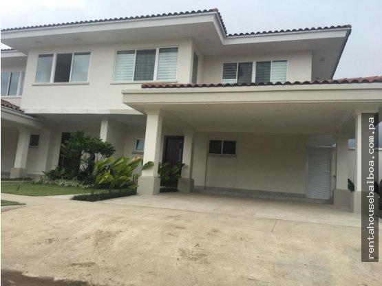 Hermosa Casa en venta Santa Maria, Panamá