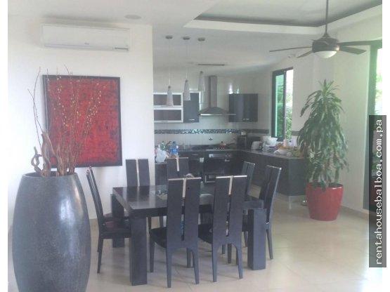 Excelente casa en Venta en Coronado