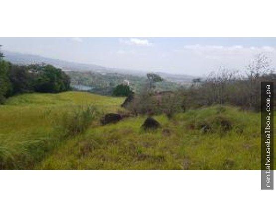 Venta de Terreno en Las Cumbres CRLC 19-3025